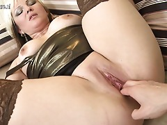 Hot blonde housewife ravaging in POV fashion
